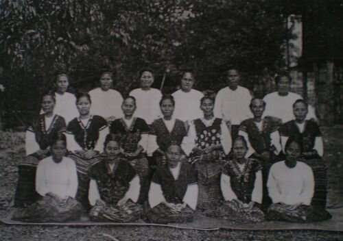 GROUP OF KAREN LADIES OF BASSEIN